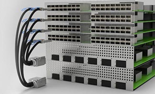 TE Connectivity 新型 STRADA Whisper 电缆插座 支持下一代数据传输速率